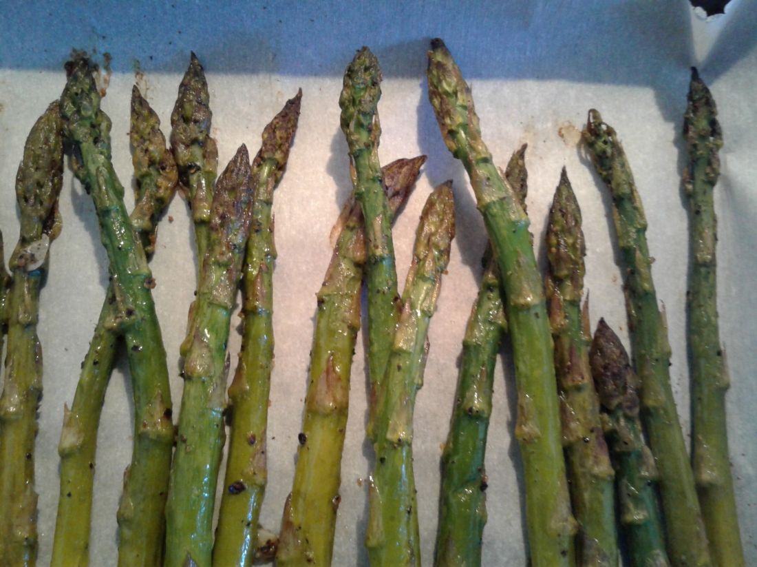 Oven roasted asparagus with salt, pepper, and garlic