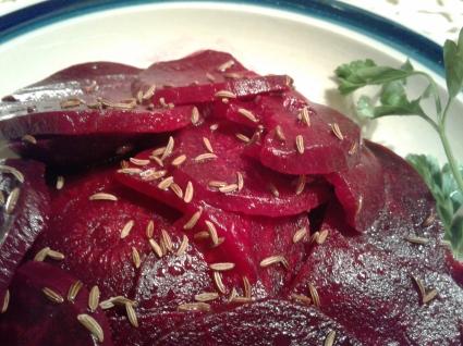 Beet salad with caraway seeds