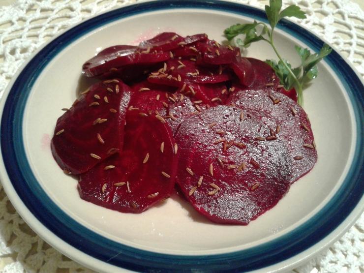 Slovene beet salad with caraway seed