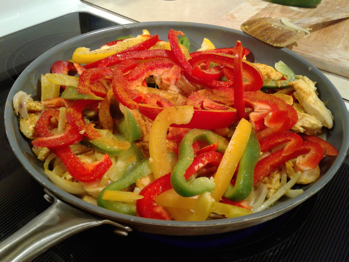 Chicken and rainbow pepper stir fry with rice